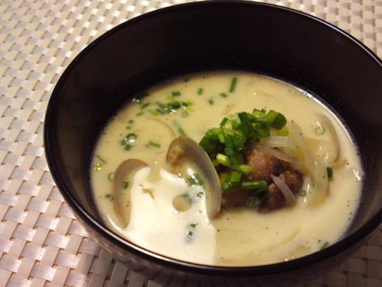 アサリの豆乳スープ