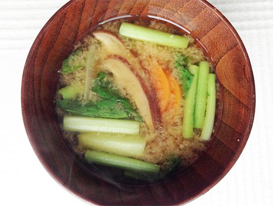 有機野菜と活きた酵素のお味噌汁