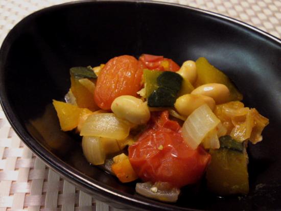 大豆と有機野菜のトマト煮